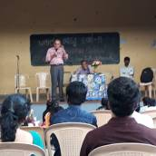 Subbu Hegde addressing the students